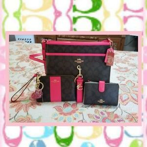 Coach purse set With bonus gold coach tag !!!